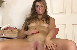 Fit MILF Masturbates Her Slit with the Wand to Orgasm - 11:15