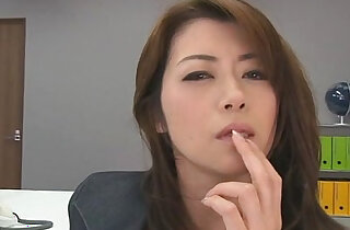 Hojo toying her pussy during an office meeting - 8:21