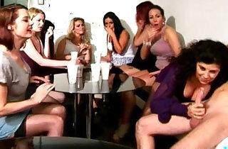 CFNM voyeur sucks in front of her bffs - 7:01