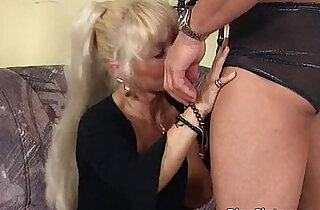 Ultra blonde chick loves younger - 32:34