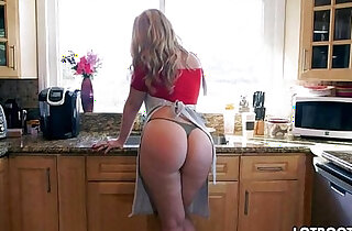 Lovely blonde Alexis Texas with classy fat butt - 6:00