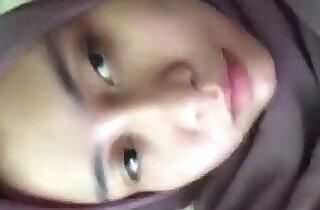 Jilbab Muslimah Masturbating - 3:13