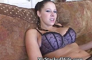 Gianna Screams For Orgasm - 4:09