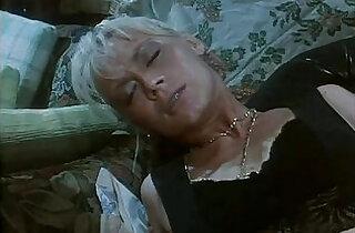 Italian vintage porn Moana Pozzi is the goddess of sex! - 31:11