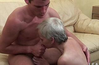 Mamy libertine veut du sperme chaud de jeunot pour son casting porno - 32:35
