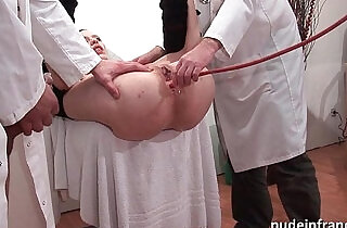 Naughty blonde ass plugged in threesome at the gyneco - 36:34