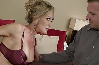 Blindfolded blonde brunette milf sucks cock - 8:24
