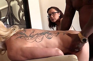 Mom Cammille and Roxanne Rae share a BBC - 7:35
