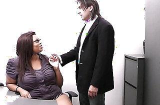 Married boss cheating with ebony secretary - 7:30