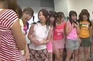 japanese schoolgirls attacked teachers - 5:25