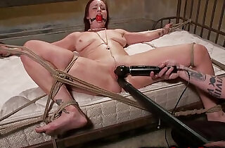 Redheads pussy controlled by master whille tied to the bed - 5:35