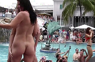 girls pussy getting naked at wild pool party - 19:58